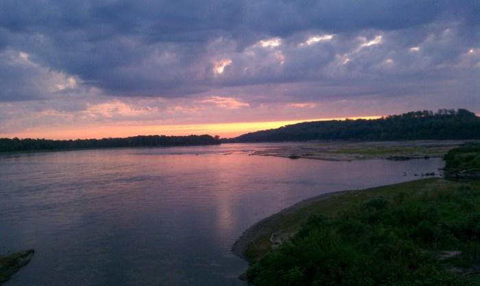 river-sunrise.jpg (316 KB)
