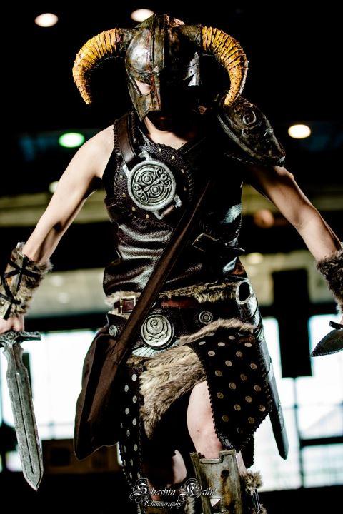 dovahkiin_dragonborn_skyrim_cosplay_by_kethien-d4yteg0.jpg (62 KB)