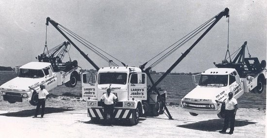 tow-two-trucks.jpg (43 KB)