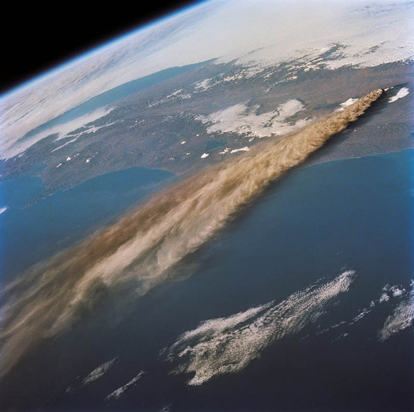 volcano_05.jpg (109 KB)