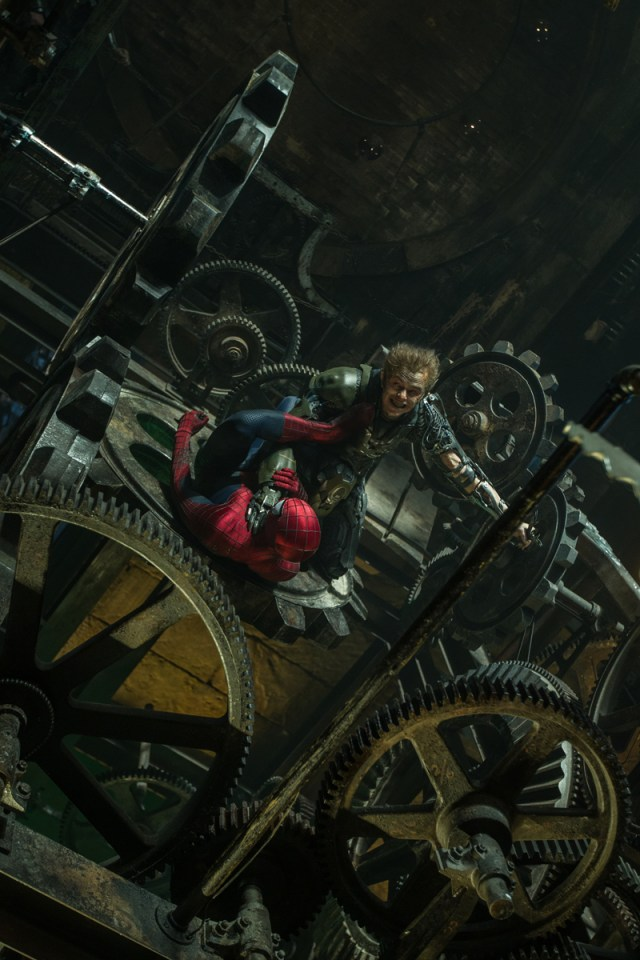 exclusive-new-image-from-the-amazing-spider-man-2-156887-a-1392810424.jpg (696 KB)