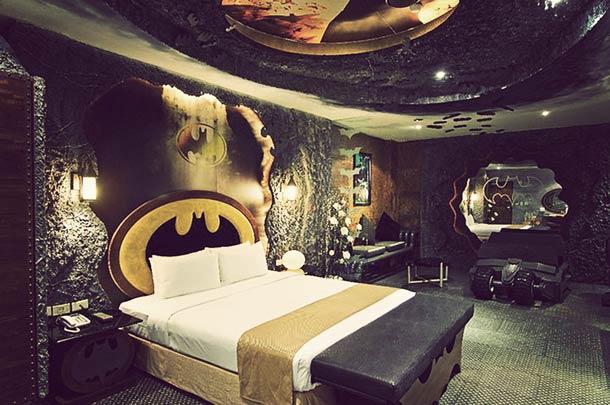 Batman-Hotel-room-in-Taiwan-5.jpg (54 KB)