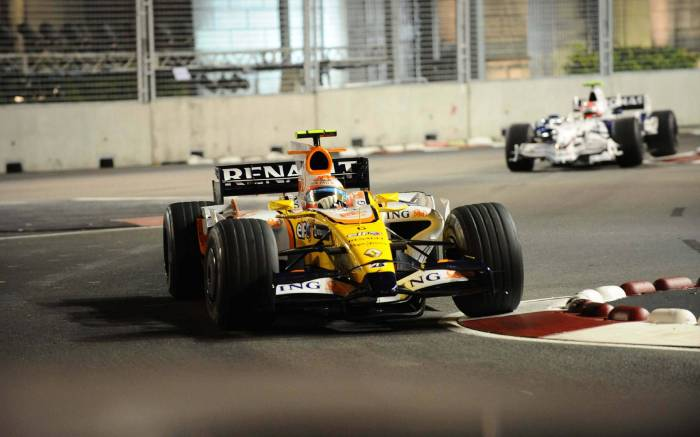 race-singapore-f1-wallpaper-2008-24.jpg (208 KB)