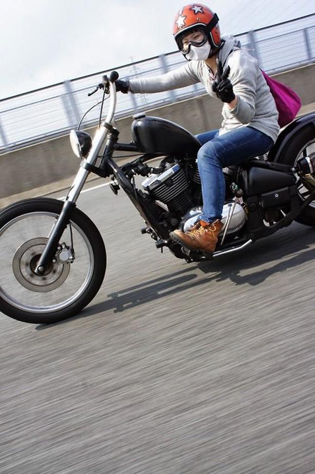 girl_and_motorcycle_02212014_09.jpg (365 KB)