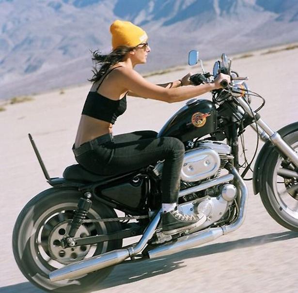 girl_and_motorcycle_02212014_20.jpg (266 KB)