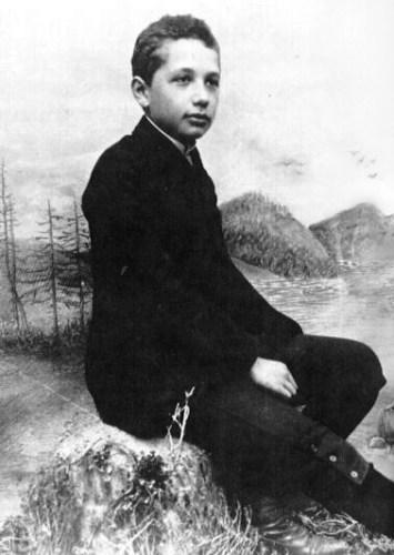 Albert_Einstein_as_a_14yo_boy.jpg (89 KB)