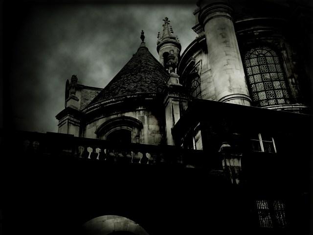 Lest_The_Dead_Walk_by_eatatran.jpg (678 KB)