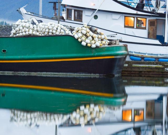 Dadsboat.jpg (157 KB)