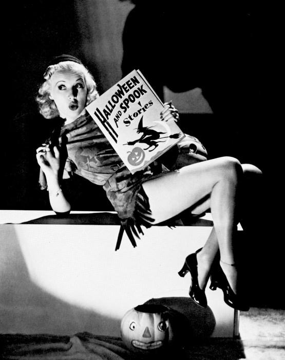 betty-grable-vintage-halloween-pinup.jpg (209 KB)