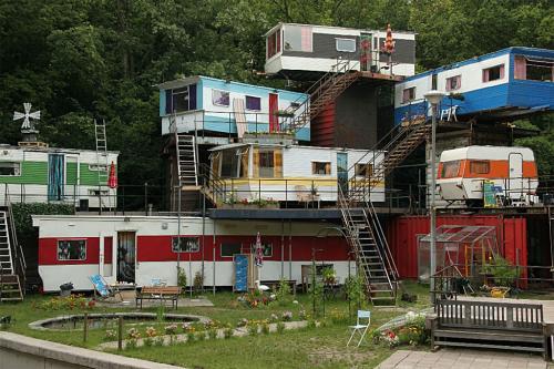 redneck mansion.jpg (296 KB)
