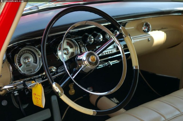 55-Chrysler_C-300_DV_07-RH_i01.jpg (172 KB)