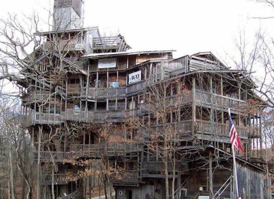 ministers-treehouse.jpg (54 KB)