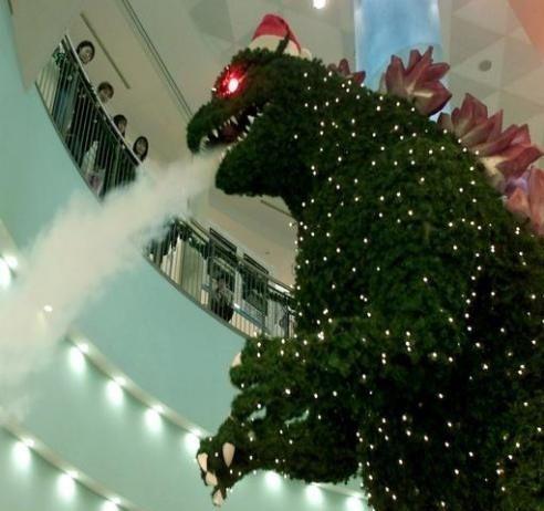 godzilla-christmas-tree-santa-hat-13239061981.jpg (34 KB)