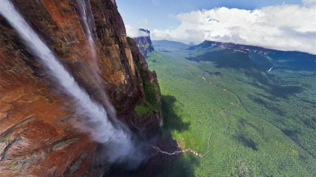 waterfall.jpg (823 KB)