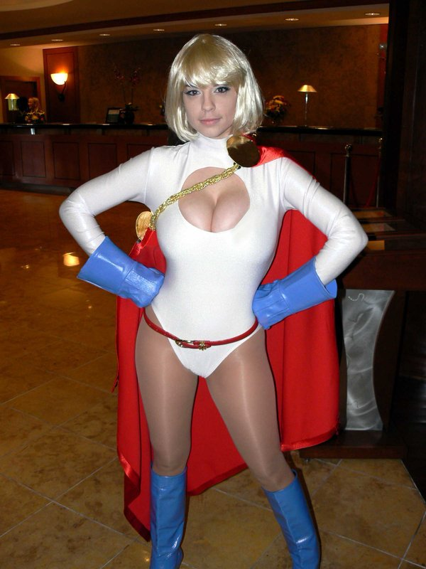 Power_Girl_by_PhoenixBeauty.jpg (74 KB)