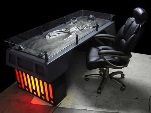 han-solo-carbonite-desk-02.jpg (63 KB)