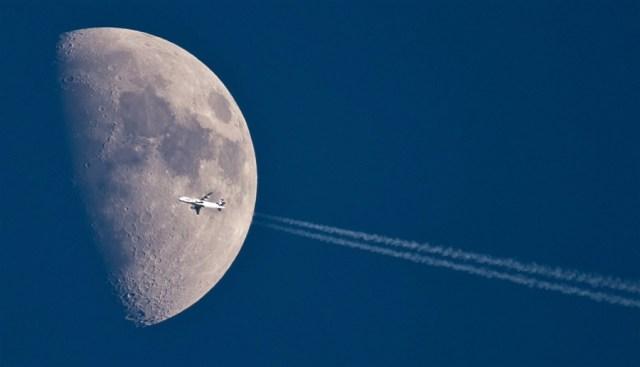 moon.jpg (221 KB)