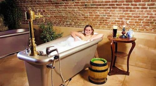 czech-beer-bath.jpg (200 KB)