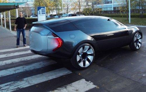 MGX_Renault_Car_Ondelios_yatzer_2.jpg (94 KB)