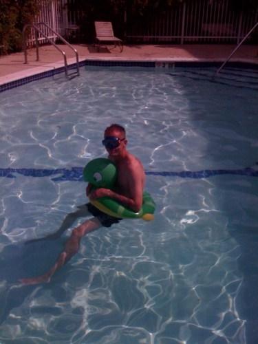 pool.jpg (132 KB)