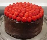 Chocolate Cake with Raspberries-001