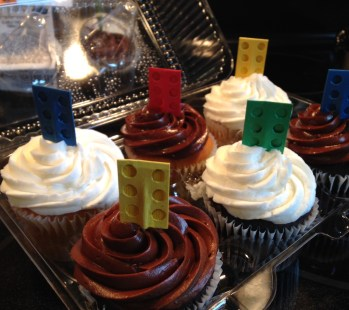 Cupcakes with Toppers