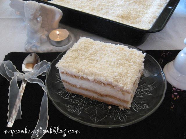 Крем с кокосови стърготини и бисквити или Бисквитена тортата с кокосов крем