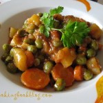 Постна яхния с грах, картофи и моркови