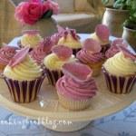 Кексчета (cupcakes) с рози