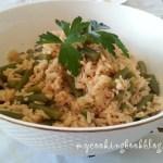 Пилаф с френски зелен фасул и светло кафяв ориз