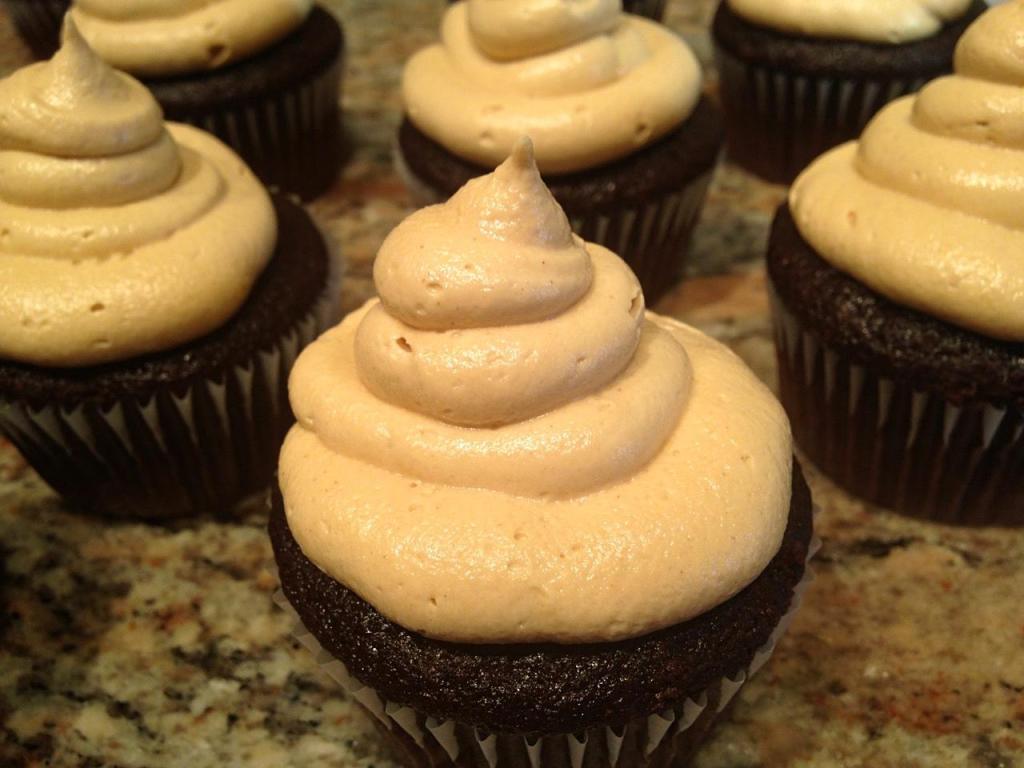 chocolatepeanutbuttercupcakes-71_fotor