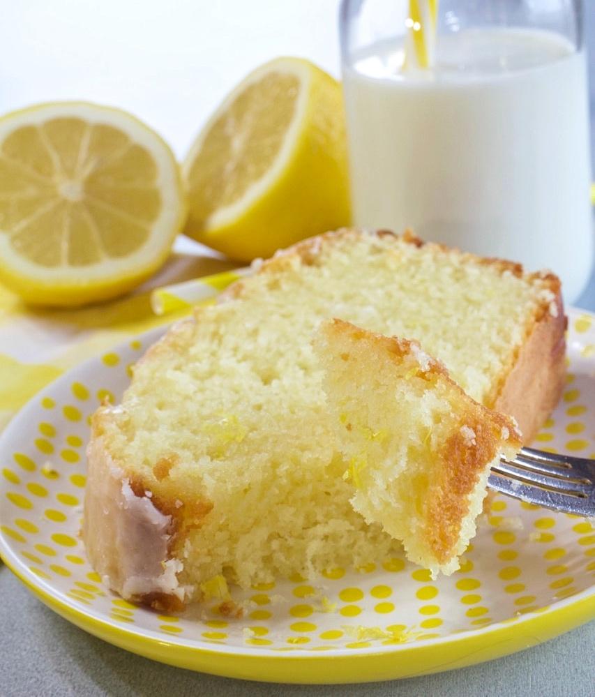 Moist & Tangy Lemon Loaf Cake