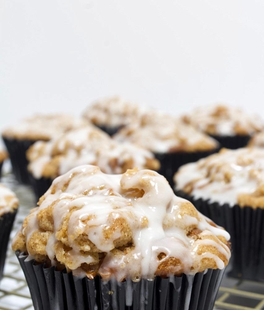 Apple Crumb Muffins with Vanilla Glaze