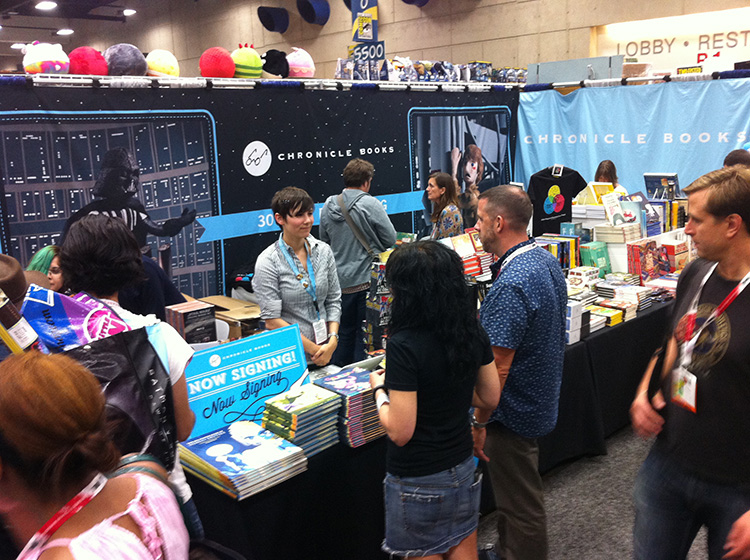 08 - San Diego Comic Con 2015 - Star Wars Epic Yarns - Chronicle Books Booth 1