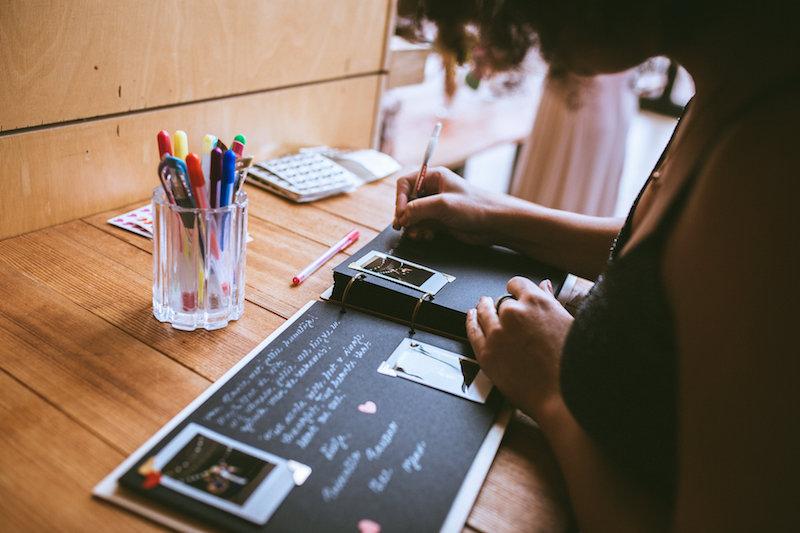 schrijven-notebook-pen-schrijver