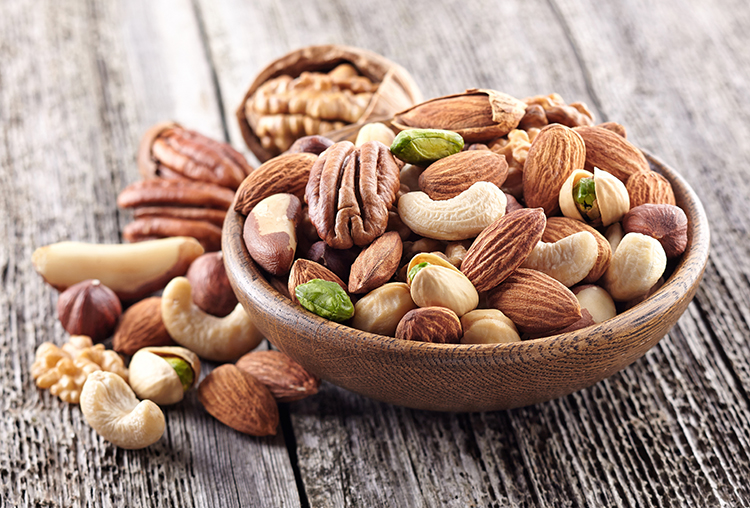 10 Easy On-The-Go Keto Snacks To Keep You in Ketosis