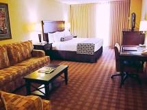 Crowne Plaza Dallas Market Center Quinceanera Hotels