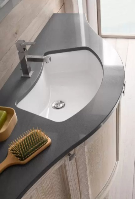 Lavabo incasso sottopiano Mini in ceramica, esterno grezzo, con troppopieno. L 63 x P 42 x A 19 cm