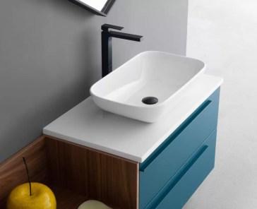 Piano e Lavabo tuttofuori Roly in ceramica bianco lucido, foro rubinetto sul piano centrale. L 71 x P 46.5 x A 17 cm