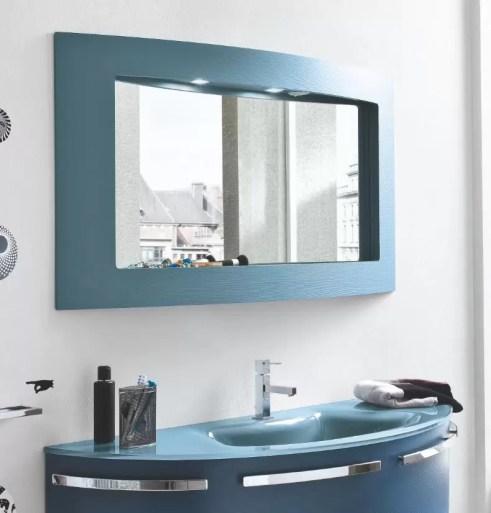 Specchiera Trendy con faretti alogeni, presa ed interruttore. L 95 x P 14 x A 70 cm