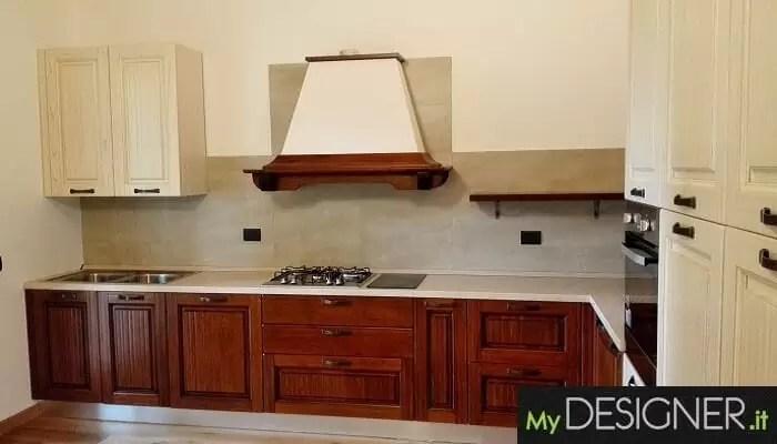 Cucina classica in legno Jerago con Orago