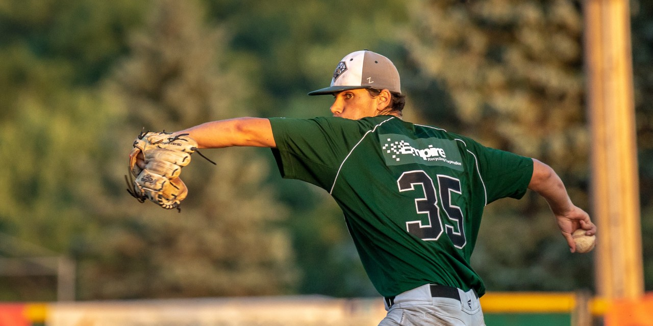 Diamond Dawgs Get Retribution For Playoff Loss, Ride Four-Run Eighth To Hammer Watertown