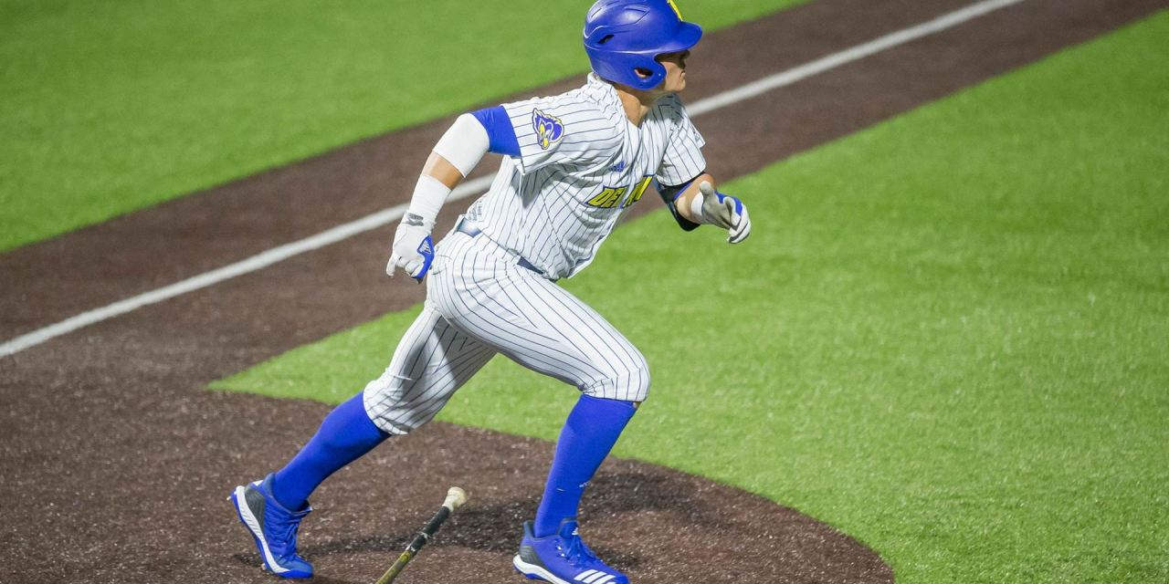 2019 Dawg – Carpenter Settles Into Role With Blue Hens