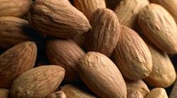 Αμύγδαλα: Το ιδανικό σνακ που κρατά την καρδιά υγιή!