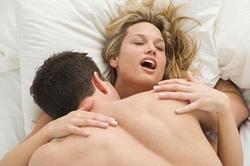 """Το σέξ προσφέρει ικανοποίηση, αποφόρτιση και """"ακονίζει"""" το μυαλό"""