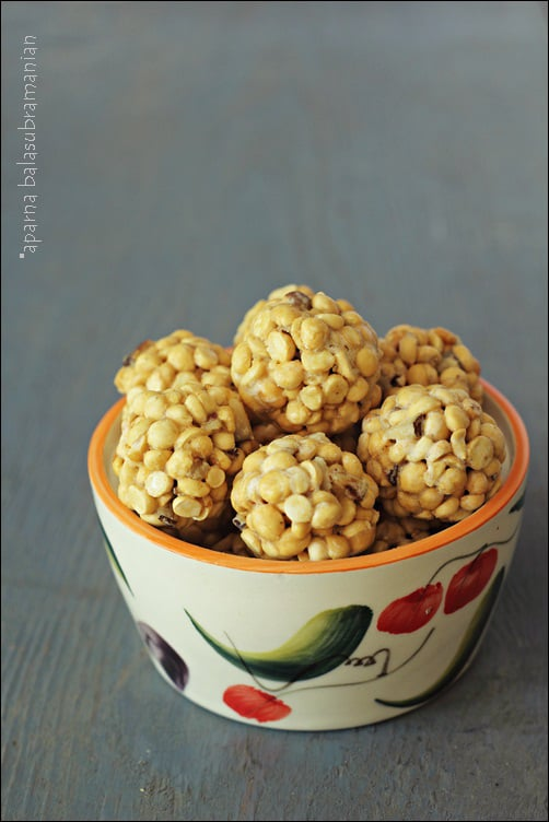 Pottukadalai Urundai/ Laddoo – Jaggery Coated Roasted Gram Balls
