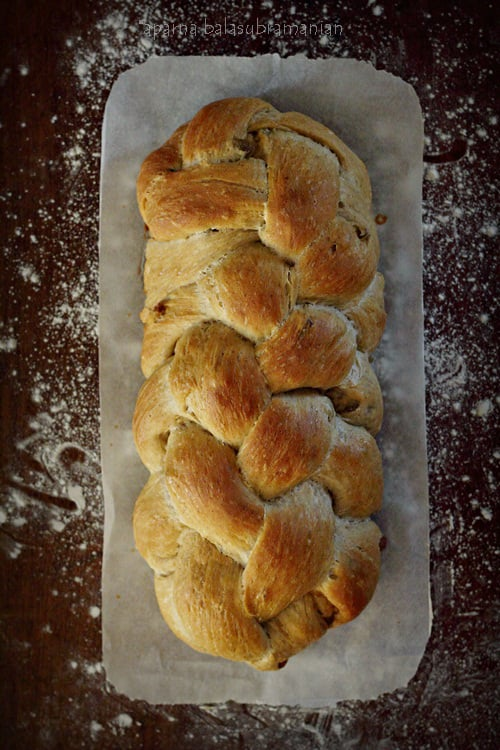 We Knead To Bake #35 : Cinnamon & Raisin Challah