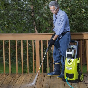 Benefits of Using a Power Washer For Professional Cleaning Job