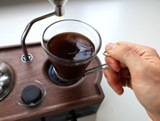 barisieur-alarm-clock-and-coffee-brewer 07
