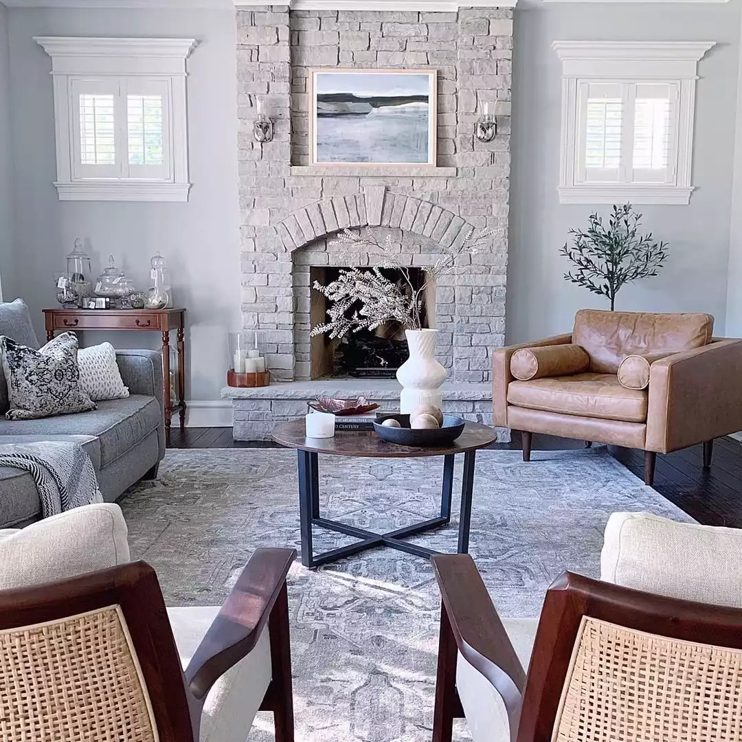 Neutral fireplace.